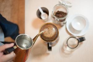 コーヒーは淹れ方で味の違いが出る?6つのドリップ方法をカフェ店長が解説します